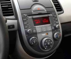 2010 Kia Soul has large dashboard controls easy to see and use